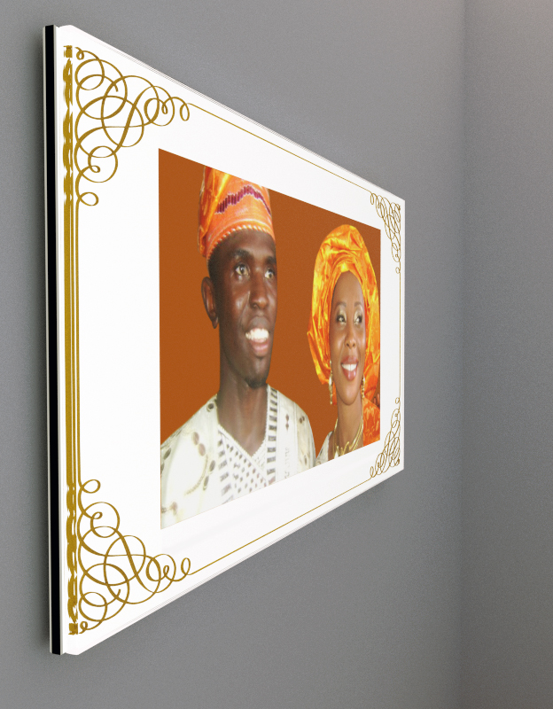 Dibond & Plexiglass wall photo (engraved & gold)